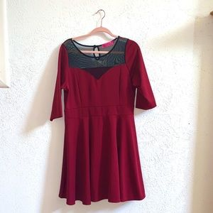 Boohoo plus red and black mesh size 16 UK 20 dress